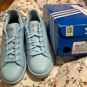 BRAND NEW ADIDAS STAN SMITH